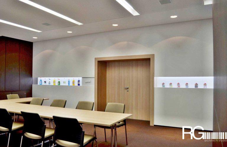 Architekt Liberec – Radomír Grafek – interiér zasedací místnosti SEVEROCHEMA v Liberci