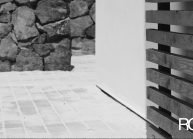 Rodinný dům od architekta Radomíra Grafka – soudobá architektonická forma v tradiční venkovské zástavbě, detail exteriéru.