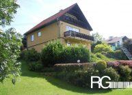Rodinný dům od architekta Radomíra Grafka – stávající pohled na dům ze zahrady.