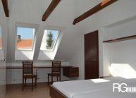 interier-loznice-v-podkrovi-3