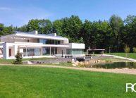 Funkcionalistická rodinná vila pod Špičákem, Varnsdorf – pohled ze zahrady.