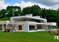Funkcionalistická rodinná vila pod Špičákem, Varnsdorf – bílá perla v zeleném sametu.