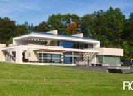 Funkcionalistická rodinná vila pod Špičákem, Varnsdorf – pohled na vilu ze zahrady.