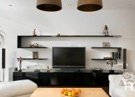 Moderní rodinný dům s dominantními střešními okny – obývací část.