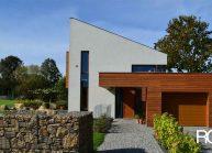 Minimalistický rodinný dům ve Varnsdorfu – boční pohled