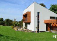 Minimalistický rodinný dům ve Varnsdorfu – pohled ze zahrady