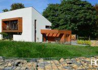 Minimalistický rodinný dům ve Varnsdorfu – celkový pohled